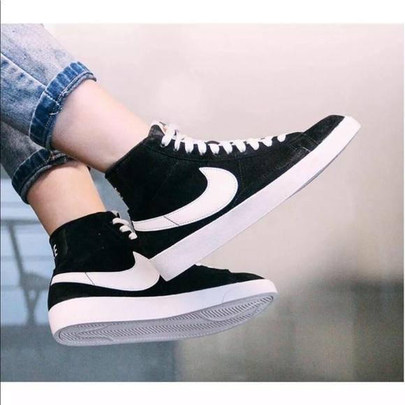 Women's Nike Blazer Mid Vintage Sneakers NWT